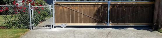 Metal to Wood Slide Gate w/Groove Wheel